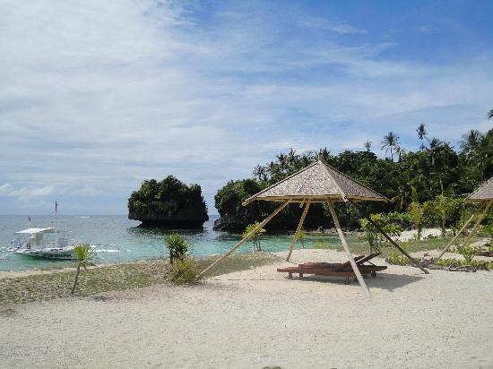 Anda, Filipiny: Partial view of the beach