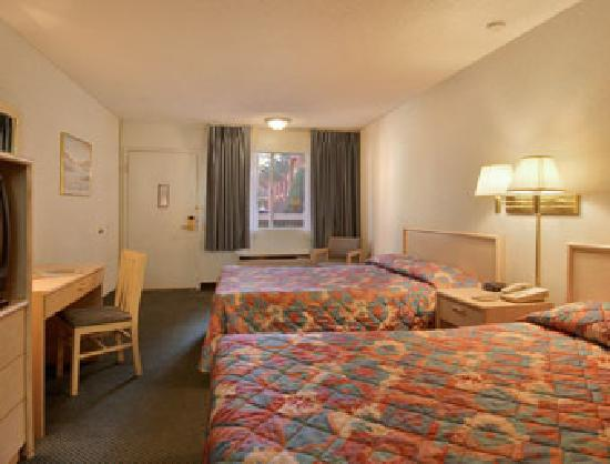 Days Inn Midtown ABQ : Standard Two Double Bed Room