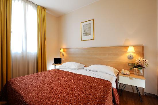Hotel Zio Imola : Camera Matrimoniale