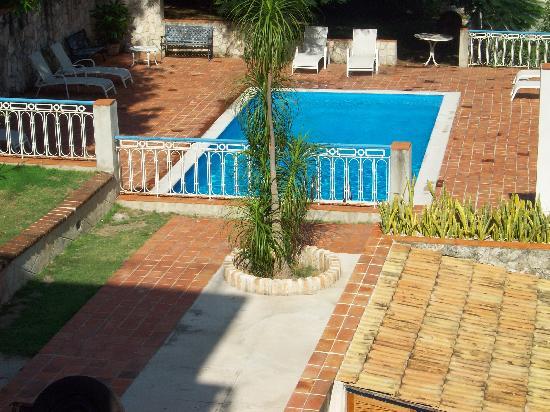 La Rosa de Ortega: vista della piscina dalla veranda
