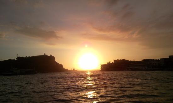 Gushan Ferry Pier : 夕日
