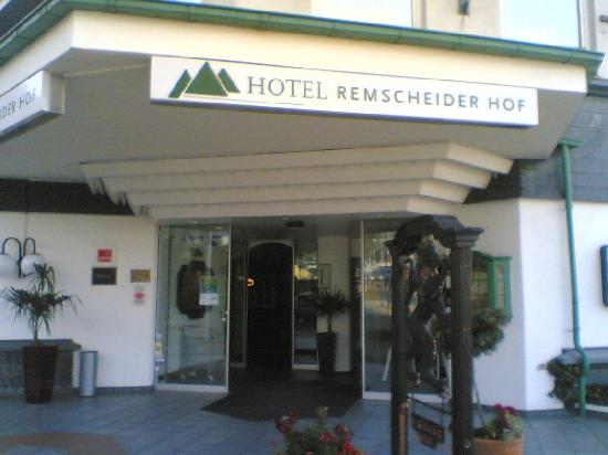 MK Hotel Remscheid: The entrance