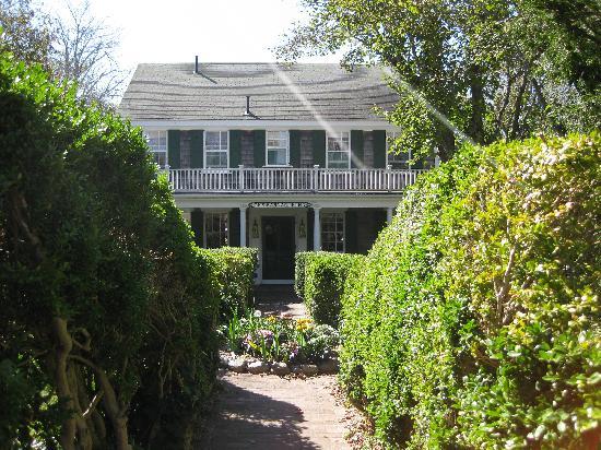 Barnacle Inn - very welcoming!