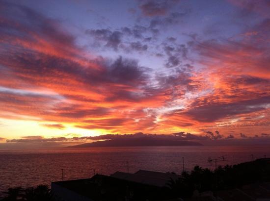 La Quinta Park Suites: Sonnenuntergang über la Gomera