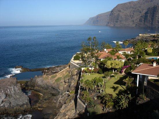 Barceló Santiago: The Cliffs