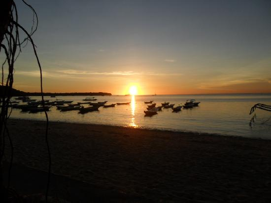 World Diving Lembongan: sunset from my room