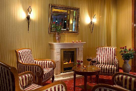 Hotel Landhaus Dierkow: Kaminfeuer