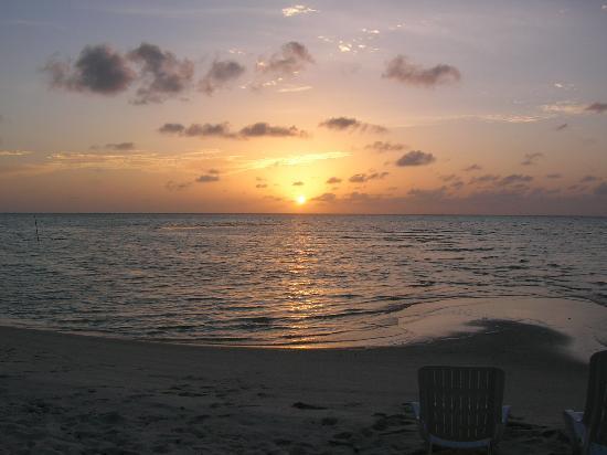 Mahureva: tramonto maldiviano