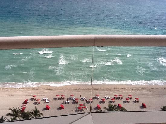 Acqualina Resort & Spa on the Beach: View from our Room