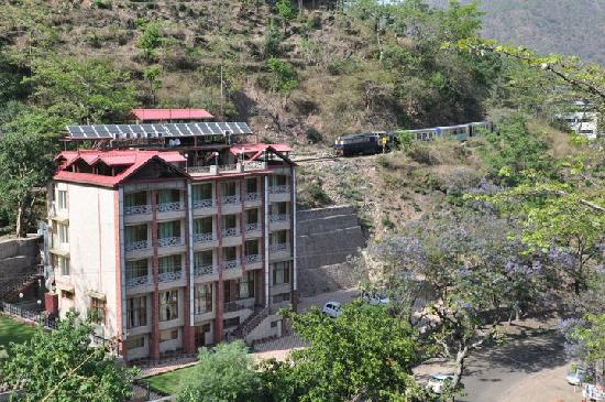 Chandermukhi Resorts: chandermukhi from the encircling railway track