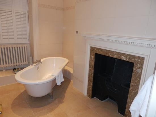 Macdonald Ansty Hall: The Bathroom