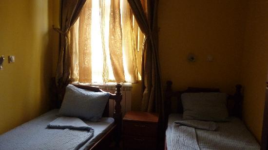 Hotel Prestige: Room. Sorry for darkness