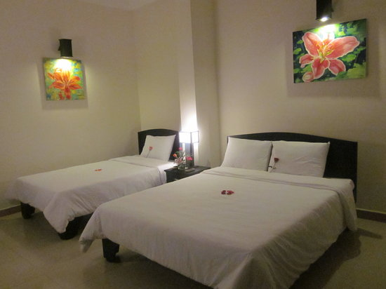 Jade Hotel: twin beds