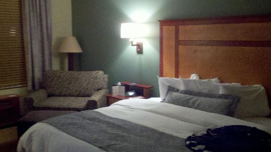 CopperLeaf Hotel: Bed