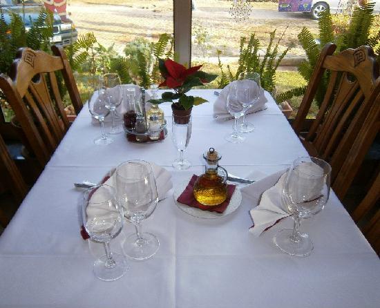 Antonia: table inside