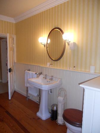 Killinagh House: Upstairs Bathroom