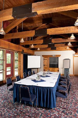 تانتالوس ريزورت لودج: Meeting Room