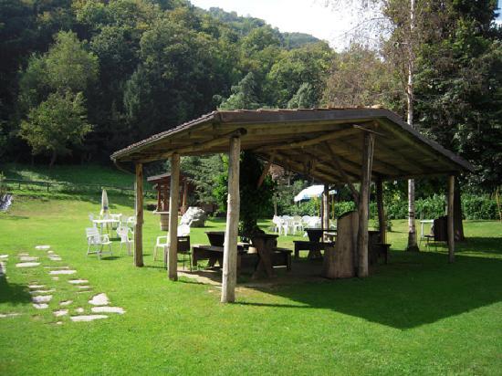 Valloriate, Italia: Particolare del giardino interno