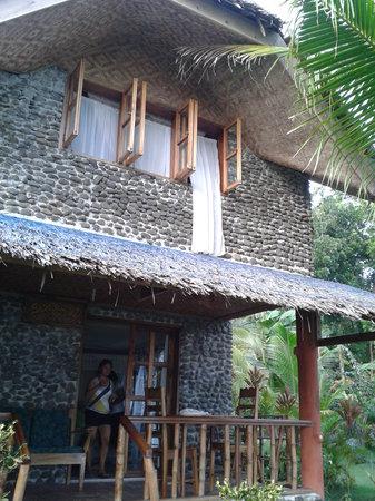 Lazi Beach Club : 2-story villa