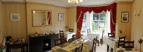 Strathmore Guest House: breakfast room