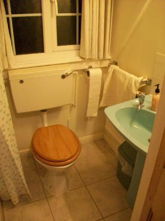Merryfield B&B: upstairs private bath