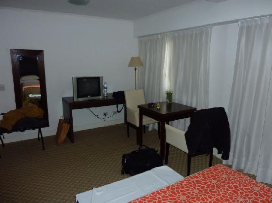 Hotel Tolosa: La stanza 2