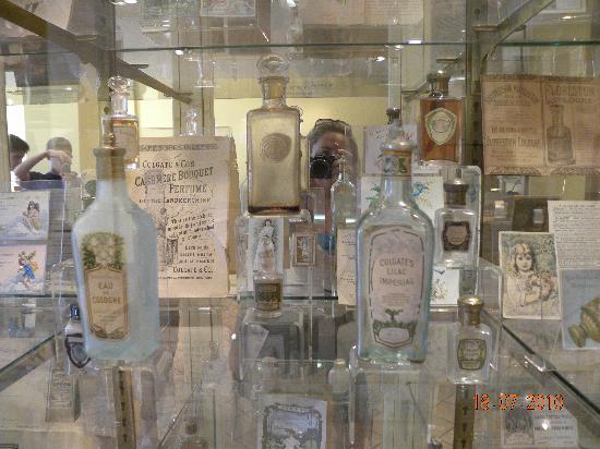 Parfumerie Fragonard: Vidros de perfumes antigos