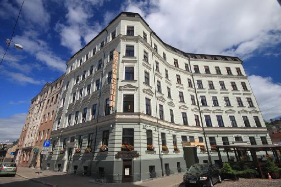 Hanza Hotel : Hotel building