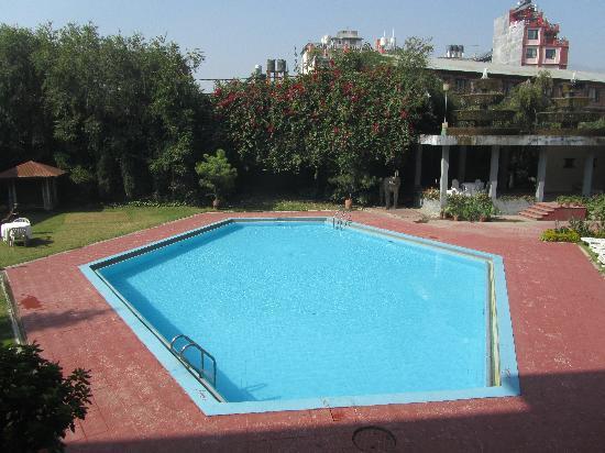 Malla Hotel: Pool