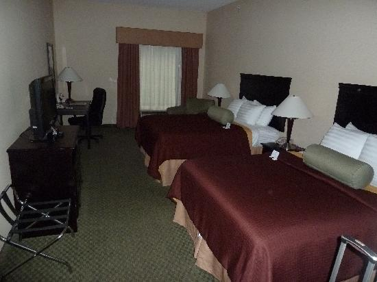 Best Western Plus Victor Inn & Suites: room 143