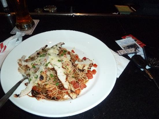TGI Friday's: very good pasta!