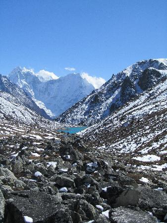 Gokyo Lakes: Look back down towards Machhermo