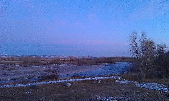 Blue Heron Inn: Early morning view of the Snake River from our balcony