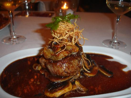 La Bocaina: fillet rossini tower