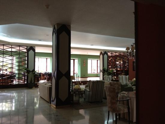 Europa Central: vestíbulo y cafetería