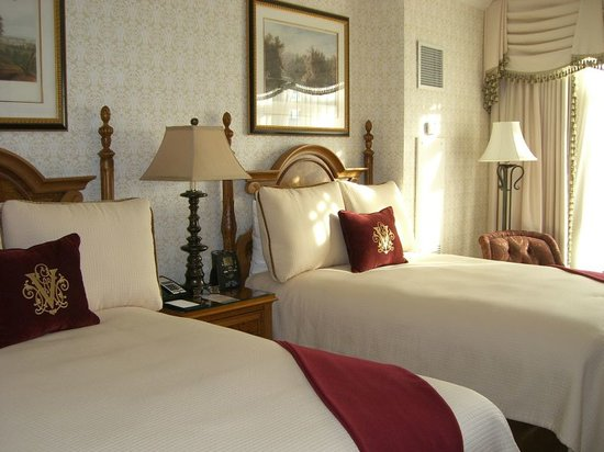 The Inn on Biltmore Estate: Double Bedroom