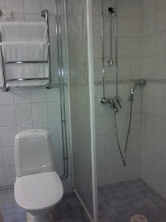 Hotel Helka: Bathroom