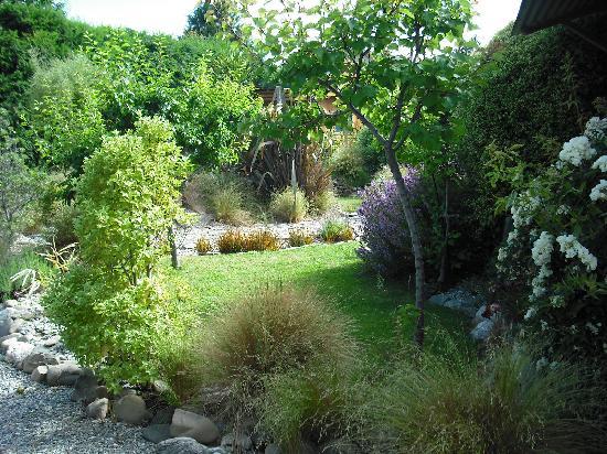 Peak Sport Chalet: Gardens