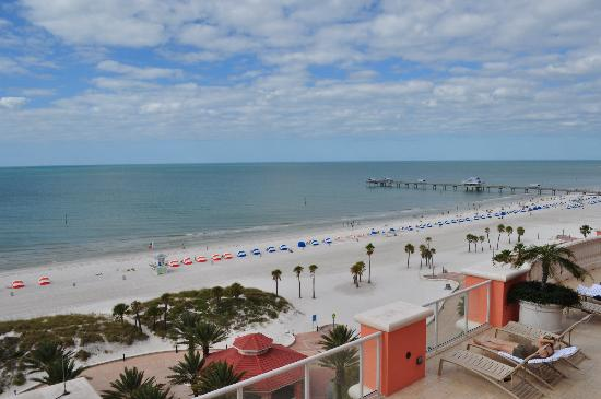 Hyatt Regency Clearwater Beach Resort & Spa: View from our corner suite balcony
