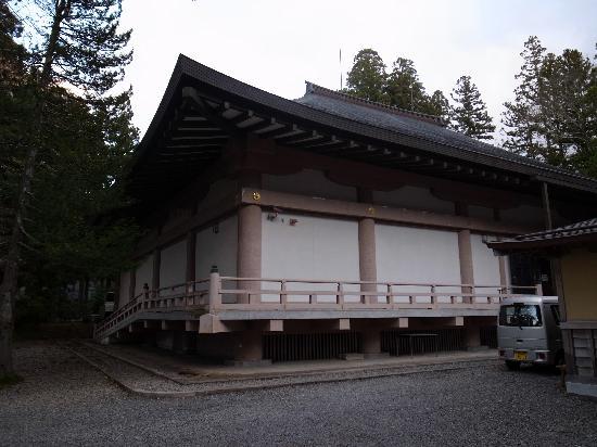 Koyasan Reihokan Museum: 左側