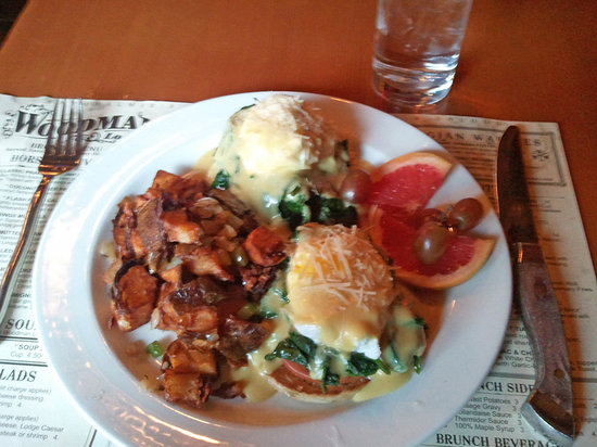 Woodman Lodge Steakhouse & Saloon: Florentine Benedict with Base-Camp Potatoes