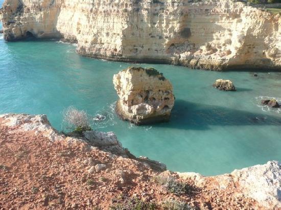 Hotel Baia Cristal: cliff walk