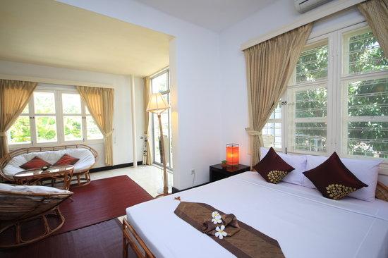 โรงแรมแฟรงกิพานีวิลลา-60s: Frangipani Villa-60s Hotel