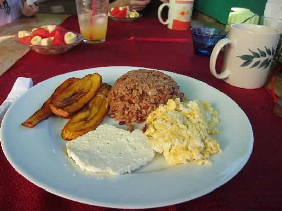 El Encanto : breakfast