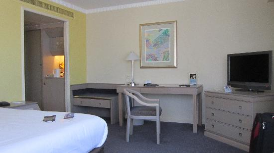 Hotel Grand Chancellor Adelaide on Hindley: Room