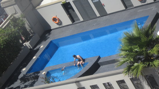 Hotel Grand Chancellor Adelaide on Hindley : outdoor pool