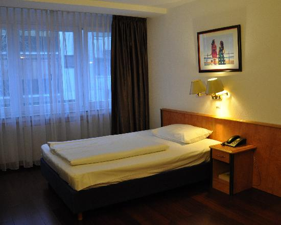 Photo of Batavia Hotel Düsseldorf