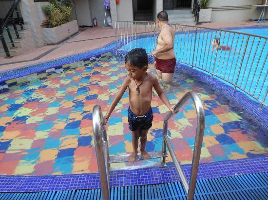 Ticlo Resorts: nash in ticlo