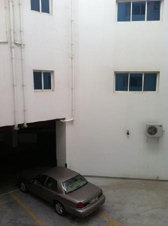 Rose Garden Hotel Apartments - Al Barsha: view if studio inside the building