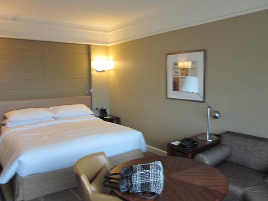 Grand Hyatt Melbourne: king bed